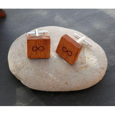 Boutons manchette en bois merisier carré à personnaliser