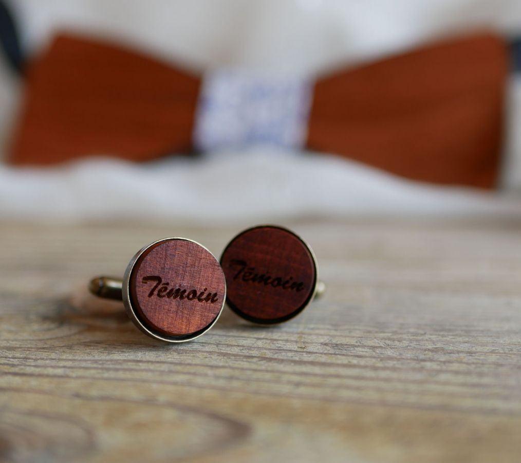 Boutons de manchette bronze vieilli et bois merisier personnalisable