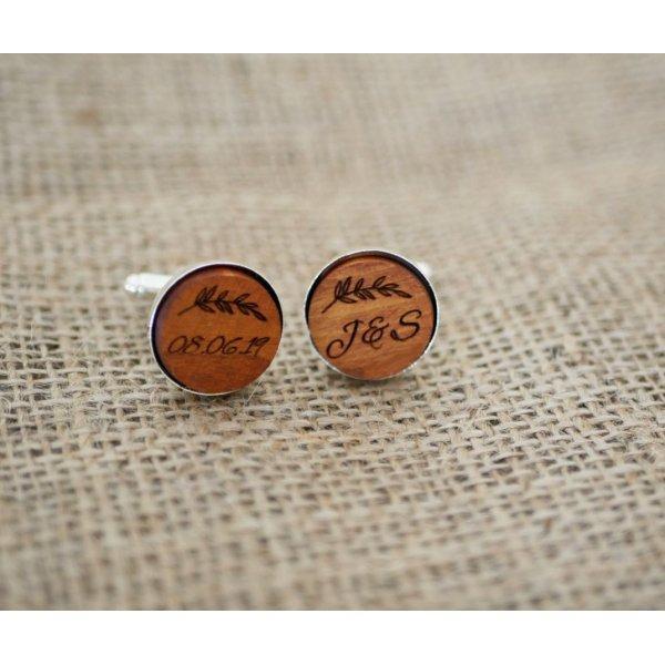 Boutons de manchette sertis argentés platinium 16 mm en bois gravé
