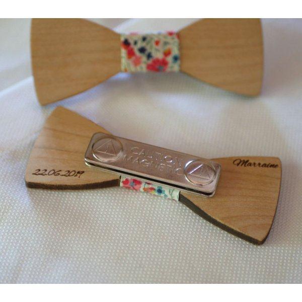 Broche mini noeud pap en bois à personnaliser