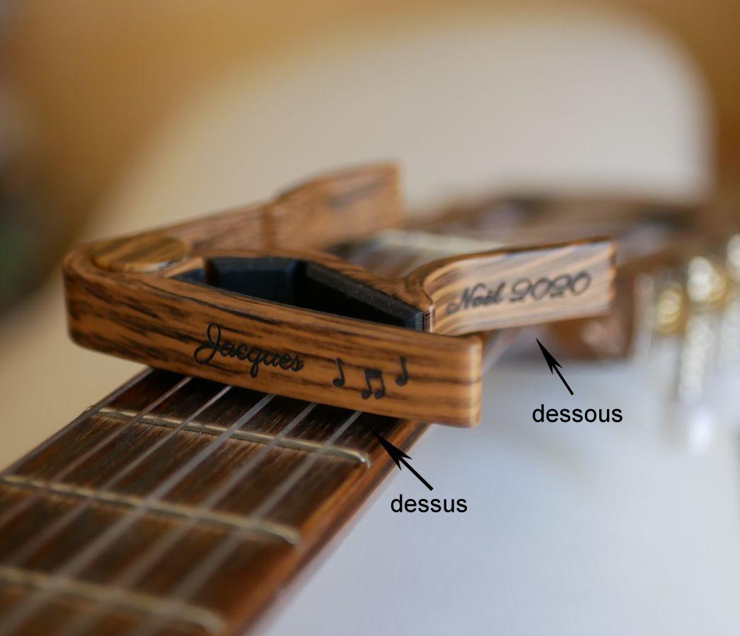 Capodastre personnalisé en aluminium couleur bois rayé gravé accessoire guitare