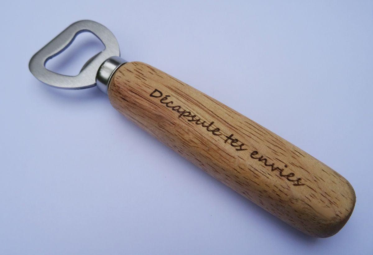 Décapsuleur bois gravé à personnaliser
