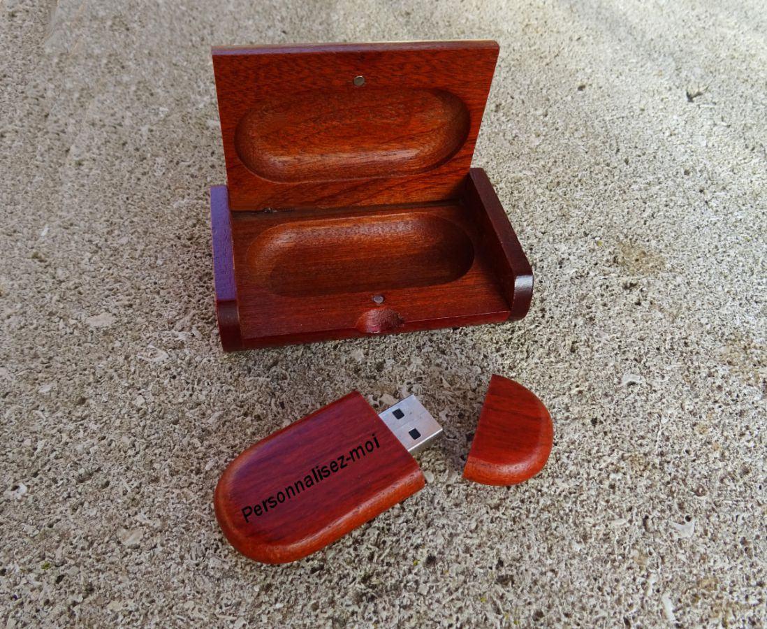 Clé Usb bois rouge dans coffret personnalisé