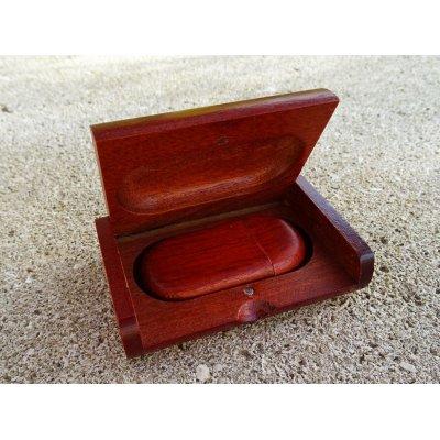 Clé Usb 32 Go bois rouge dans coffret à personnaliser