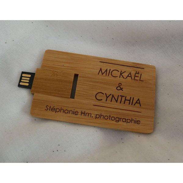 Clé USB en forme de carte en bois bambou à personnaliser par gravure