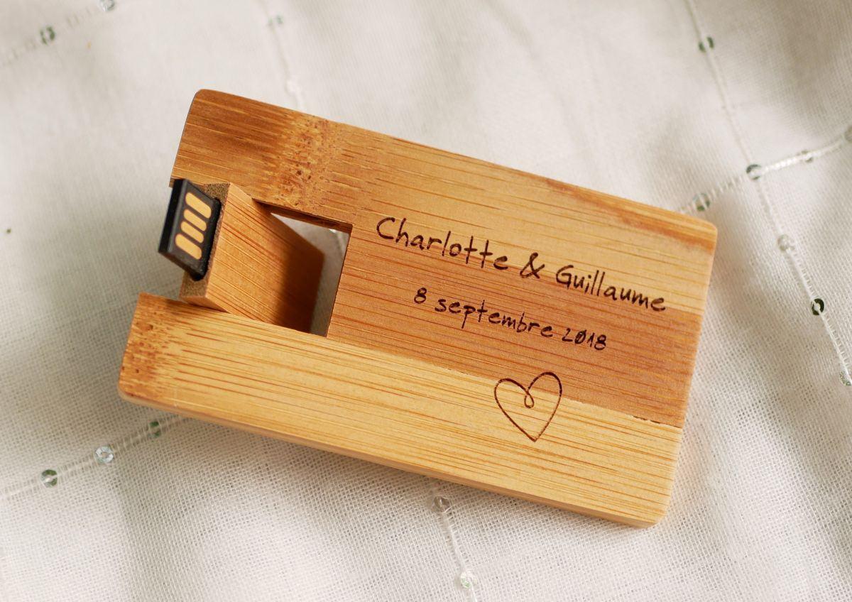 Clé USB 32 Go Carte en bois bambou à personnaliser par gravure