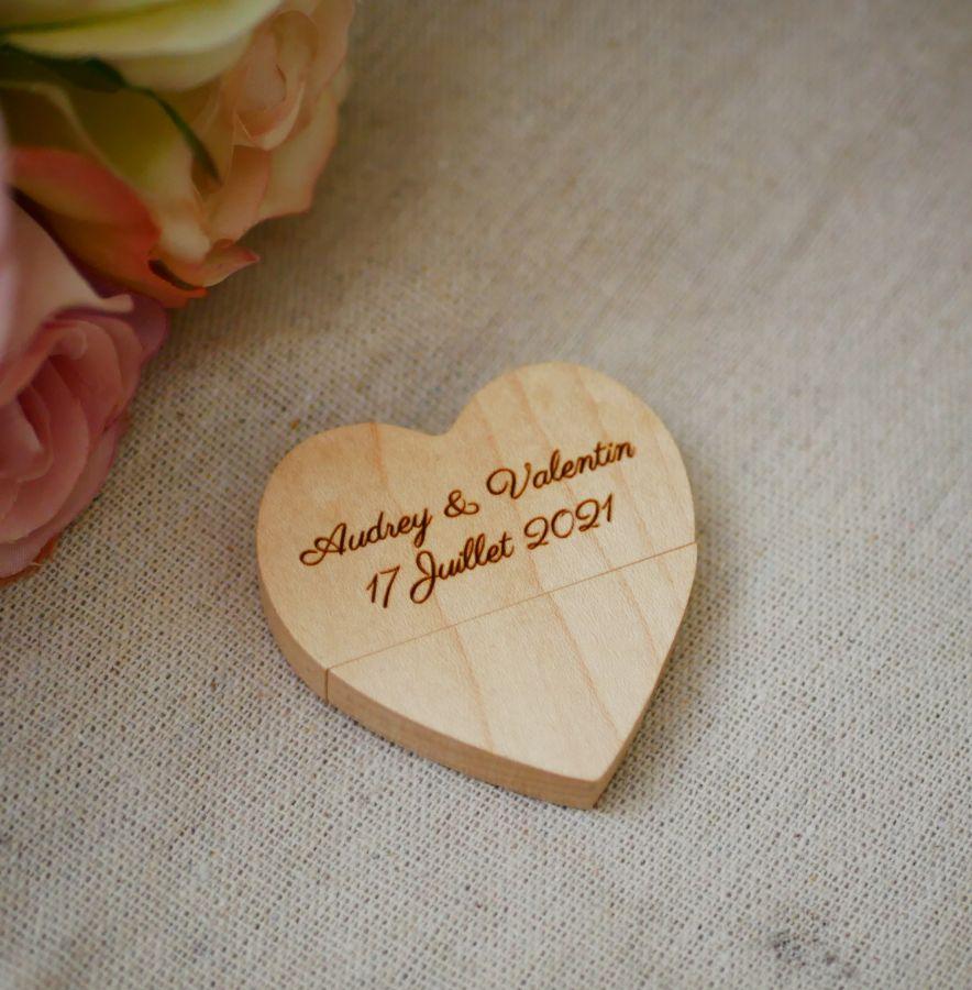 Clé Usb Coeur 32 Go dans coffret personnalisé bois clair