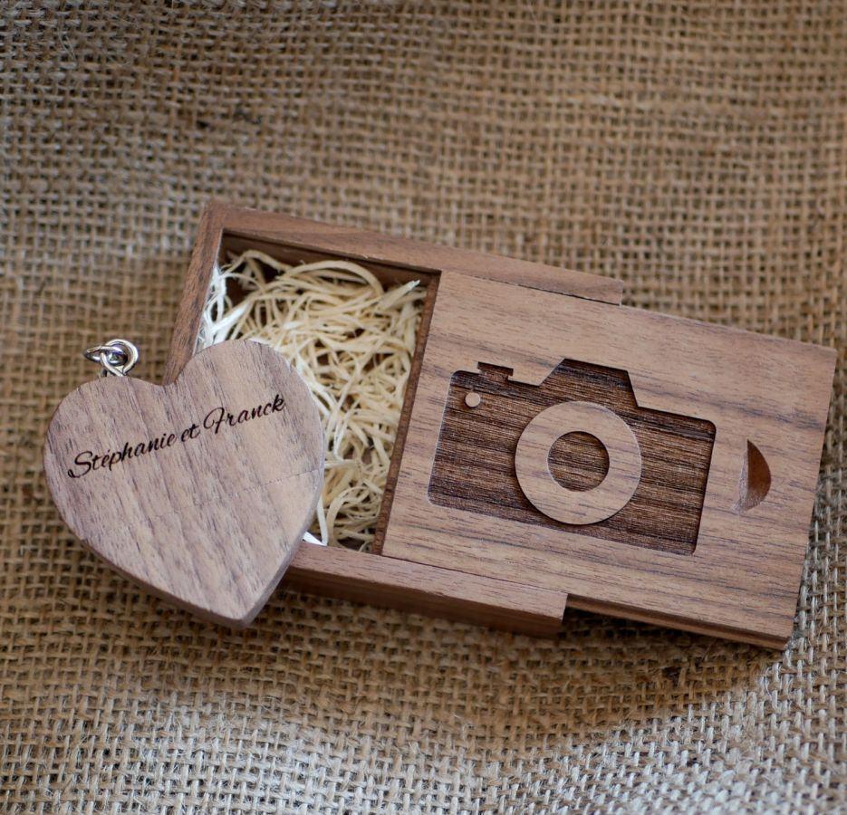 Clé Usb Coeur 32 Go dans coffret personnalisé bois foncé