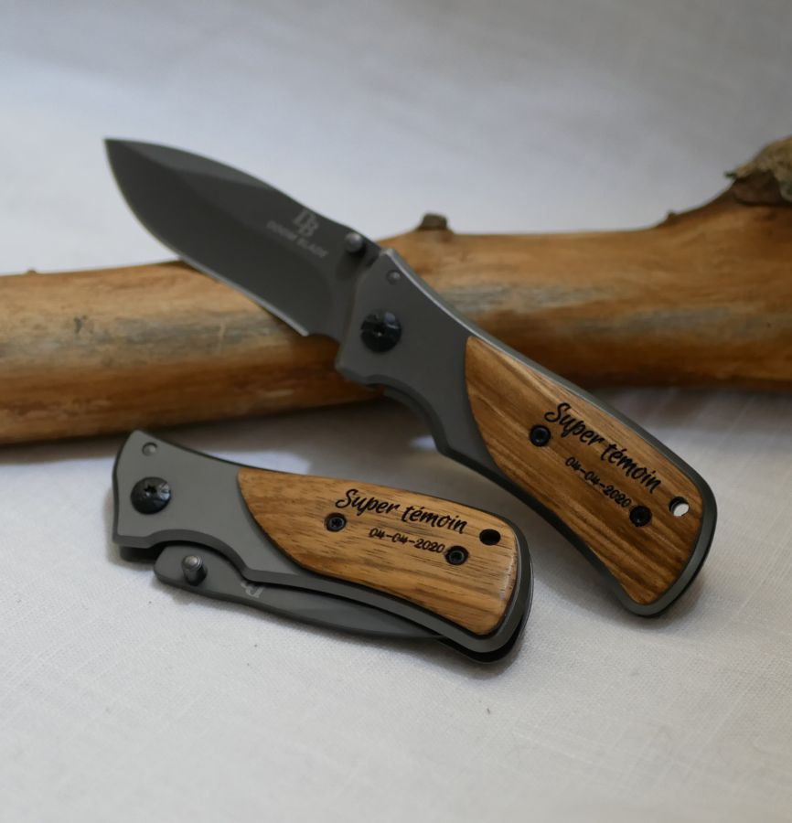 Couteau au manche en bois de bambou gravé personnalisé