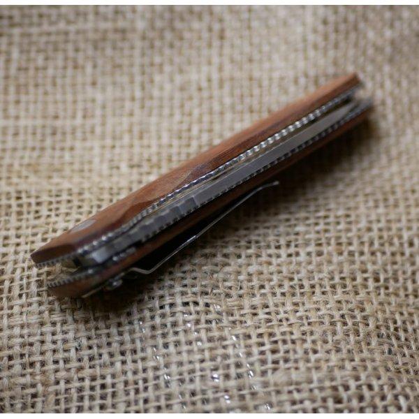 Couteau au manche en bois gravé à personnaliser