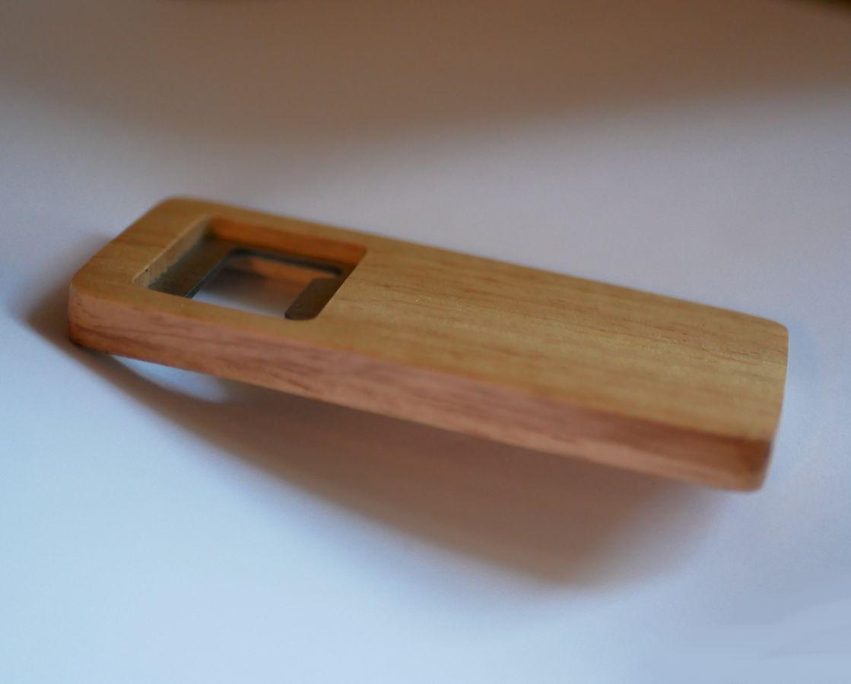 Décapsuleur plat en bois gravé à personnaliser, cadeau mariage