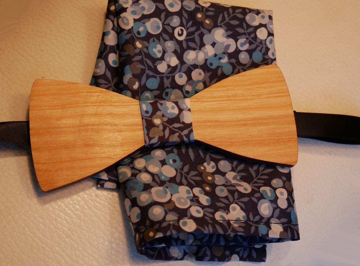 Ensemble Noeud papillon en bois Pochette Liberty tons Bleus