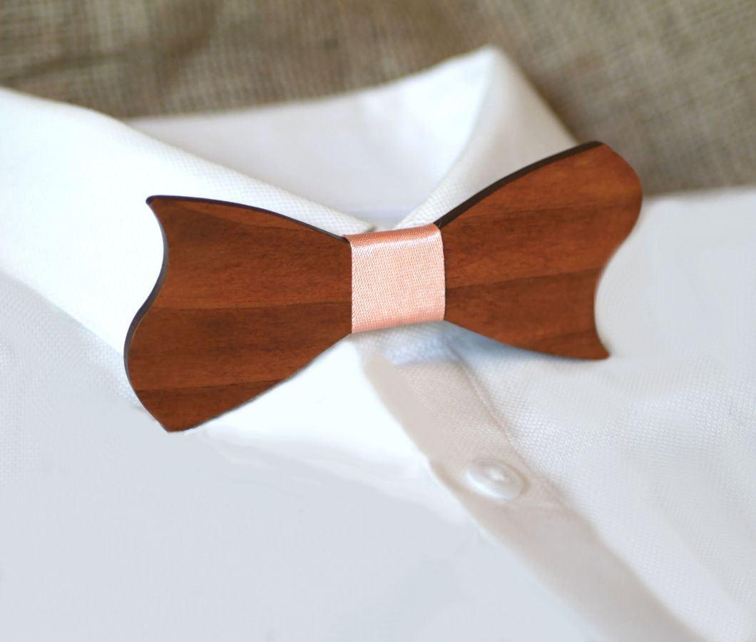 Noeud papillon forme asymétrique en bois Noyer à personnaliser Made in France