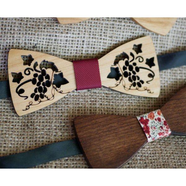 Noeud papillon en bois ajouré vigne et feuilles