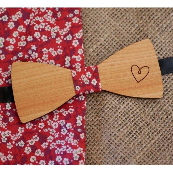 Noeud papillon bois au coeur gravé peint à personnaliser