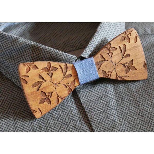 Noeud papillon en bois gravé de grandes fleurs