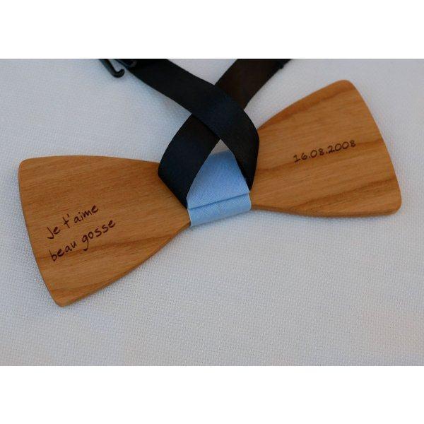 Noeud papillon en bois merisier huilé lin à personnaliser