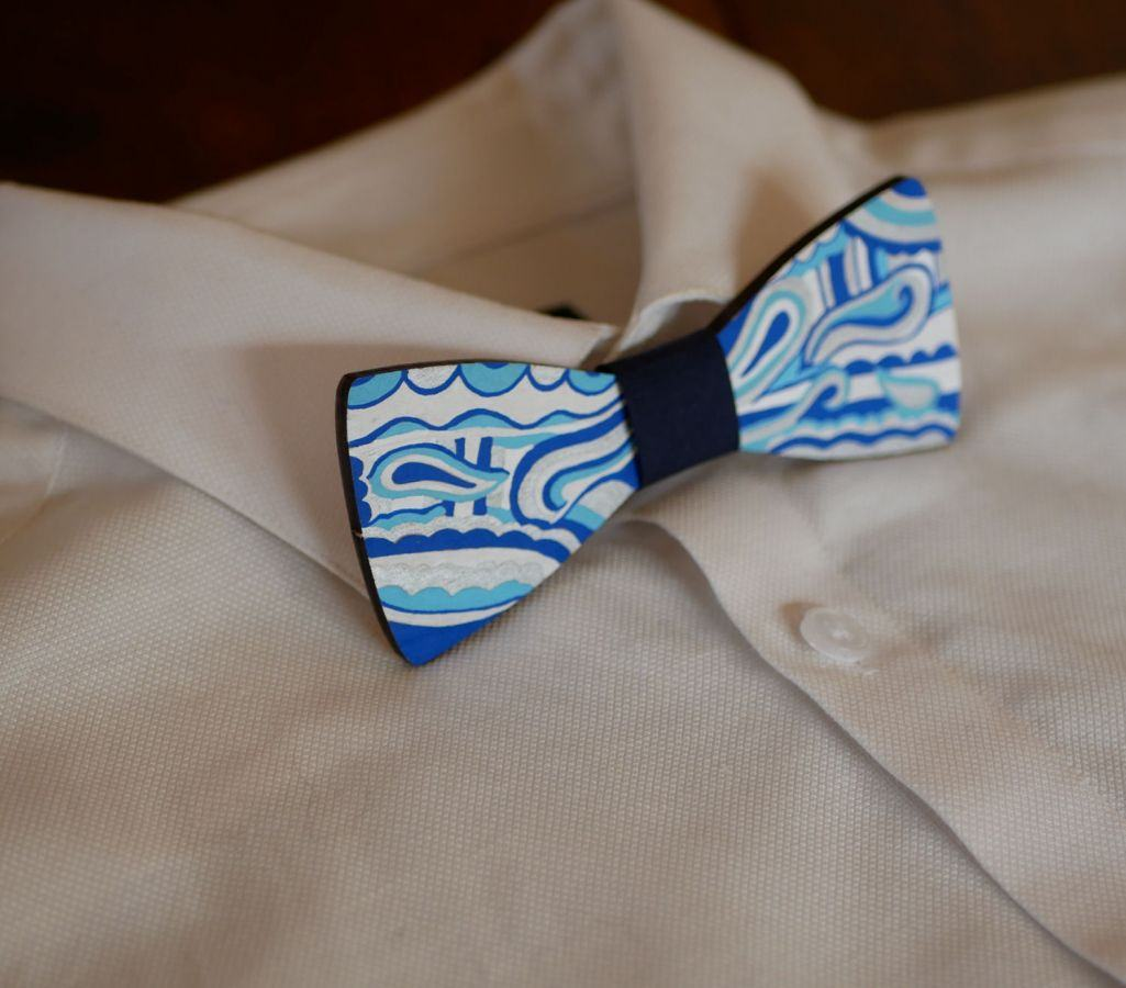 Noeud papillon en bois peint Hippie chic bleu argent