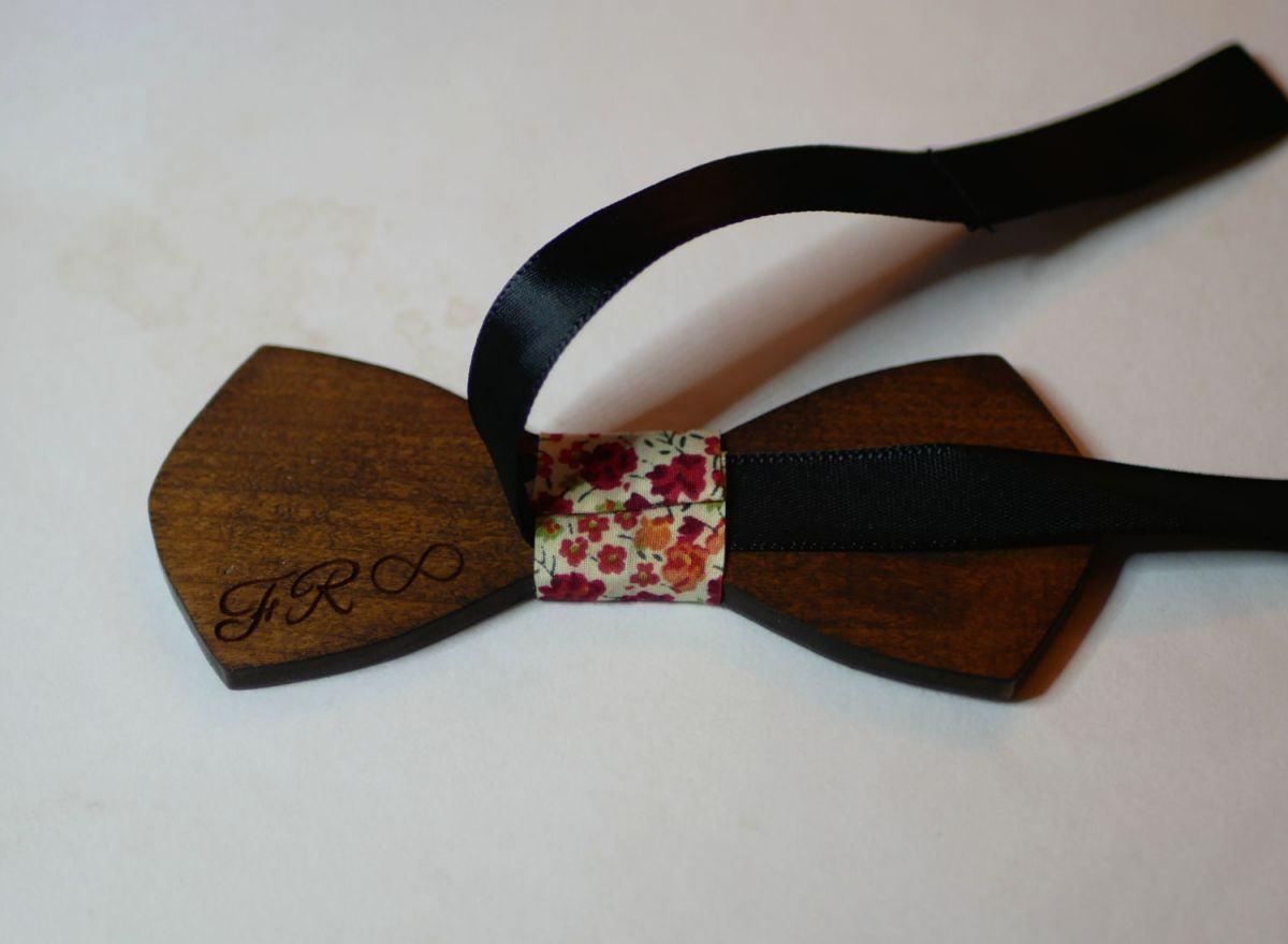 """Noeud papillon homme en bois français  """"le rablé"""" de petite taille et personnalisable"""