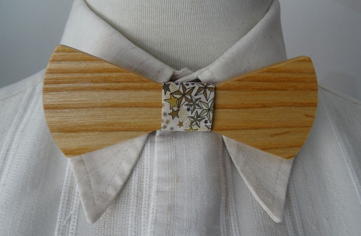 Noeud papillon en bois ruban Liberty étoilé à personnaliser