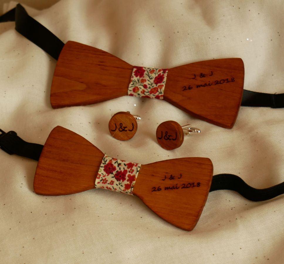 Noeud papillon enfant en bois Merisier à personnaliser