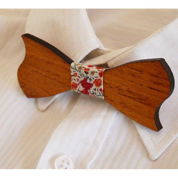 Noeud papillon enfant en bois merisier asymétrique à personnaliser