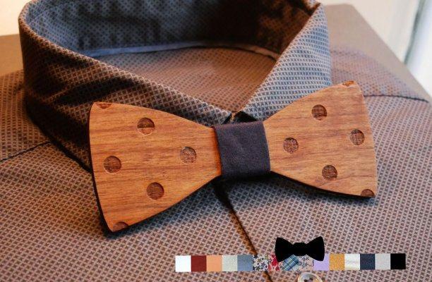 Noeud papillon à pois en bois noyer gravé à personnaliser