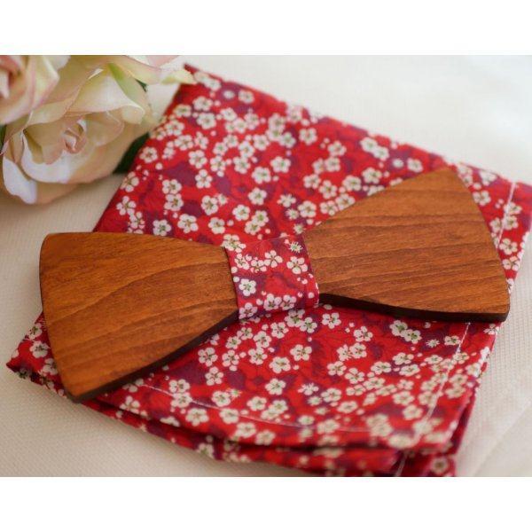 Noeud papillon en bois et pochette de costume en Liberty Rouge