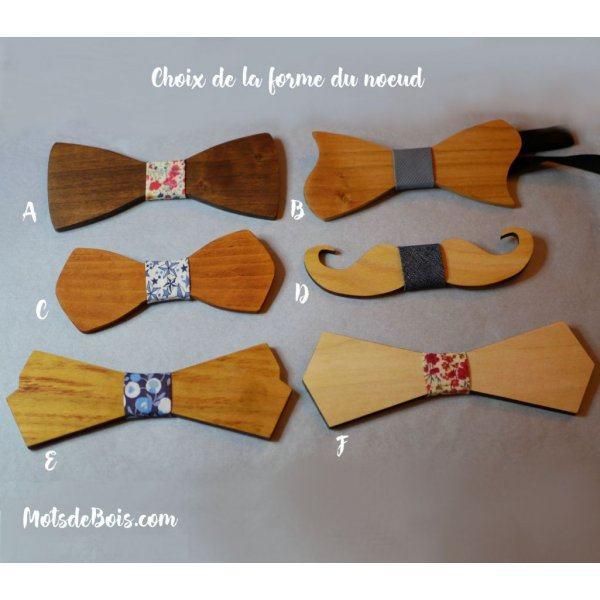 Pochette Liberty étoiles bleues  et noeud papillon en bois personnalisable