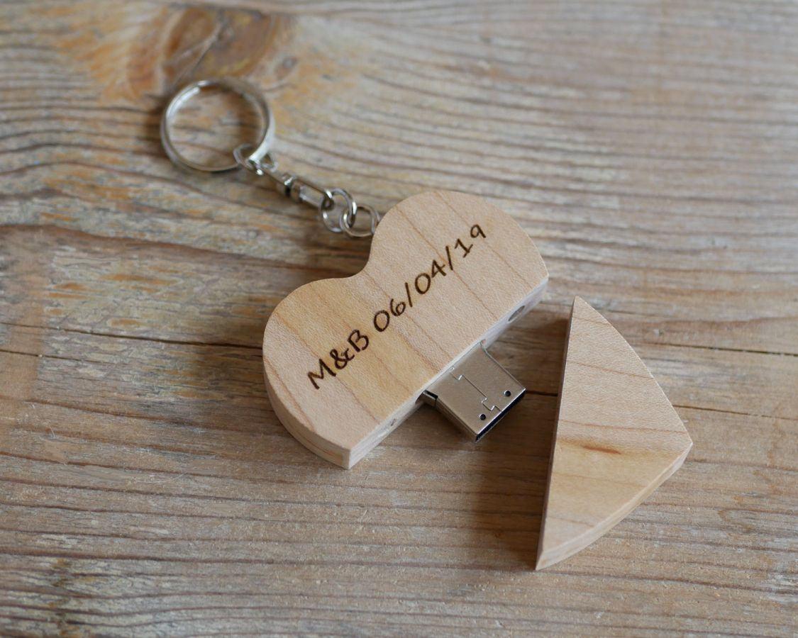 Porte clef USB coeur en bois gravée à personnaliser