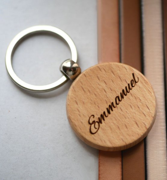 Porte clé en bois rond à personnaliser par gravure