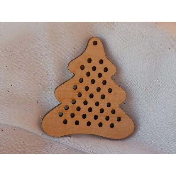 Sapin en bois pour déco de Noël à broder soi-même
