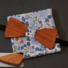 Pochette Liberty Denim blue et noeud papillon en bois personnalisable