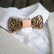 Noeud papillon Mini en bois aux arasbesques évidées
